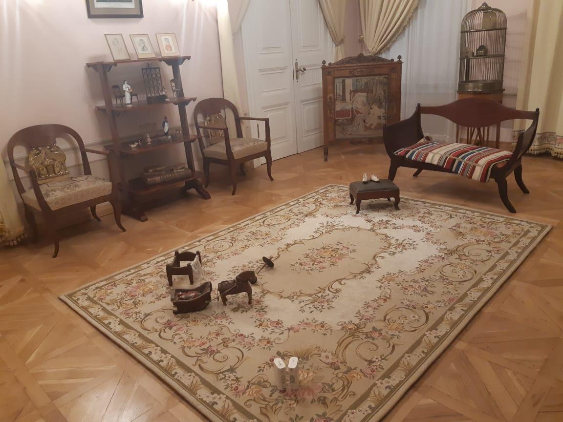 Гостиная комната в музее Пушкина
