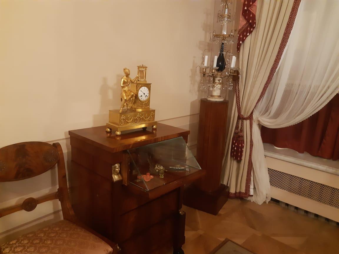 Туалетный столик Гончаровой