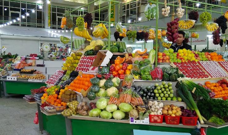 Мальцевский рынок палатки павильон продавец фрукты