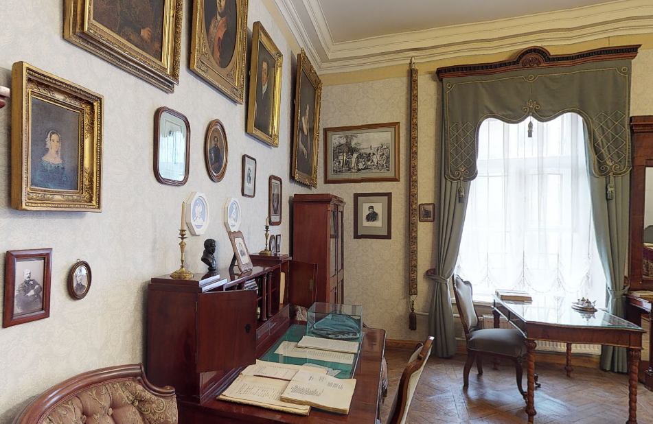 Музей-квартира Некрасова кабинет