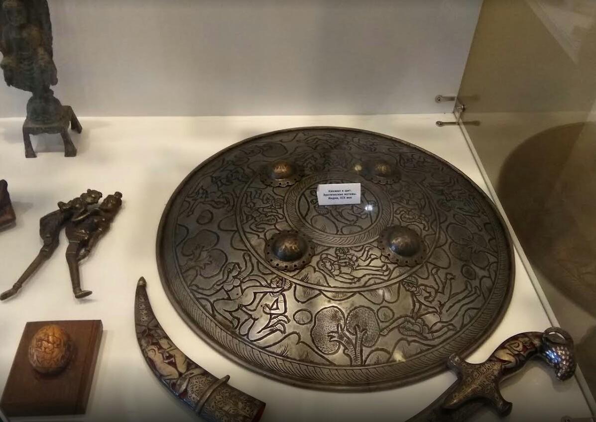 Музей эротики экспонаты