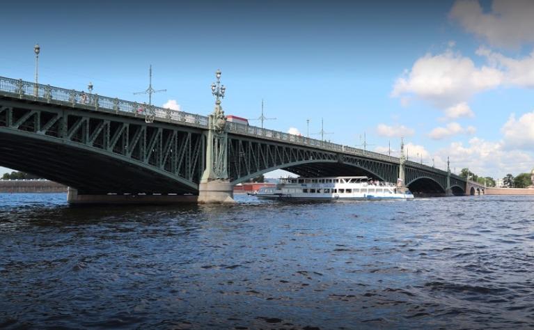 Троицкий мост Санкт Петербурга