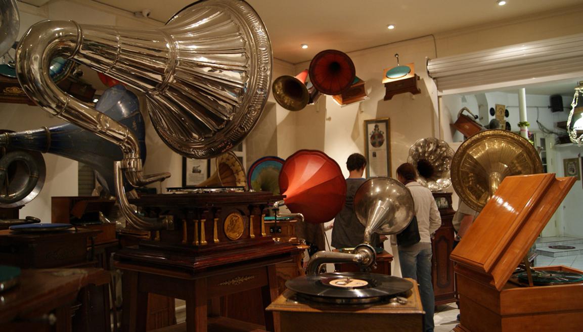 Музей граммофонов экспозиция