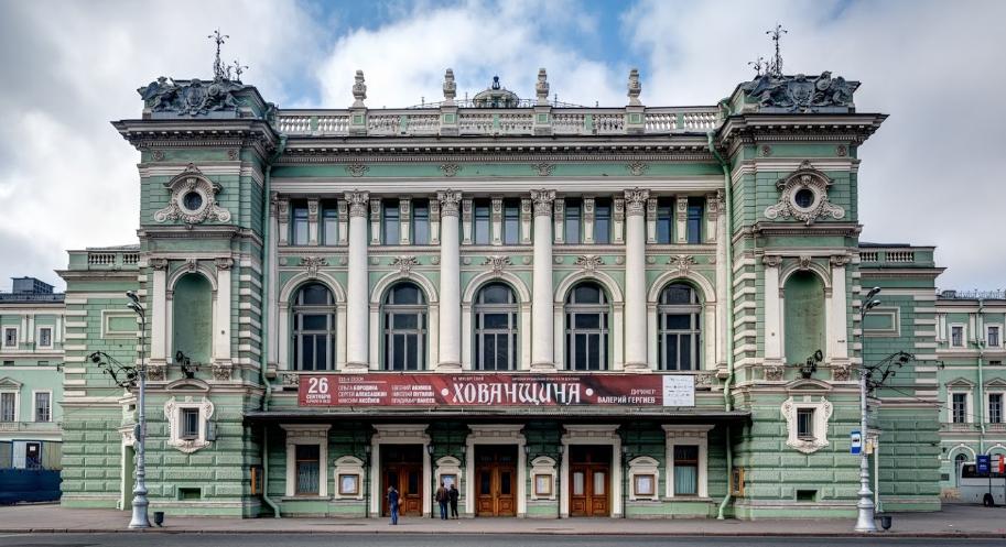 Театральная площадь СПб