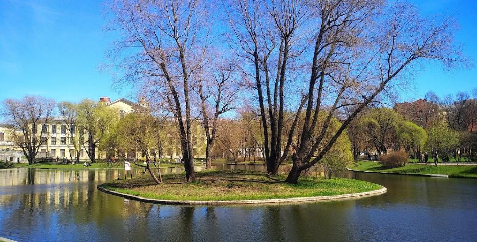 Юсуповский сад пруд