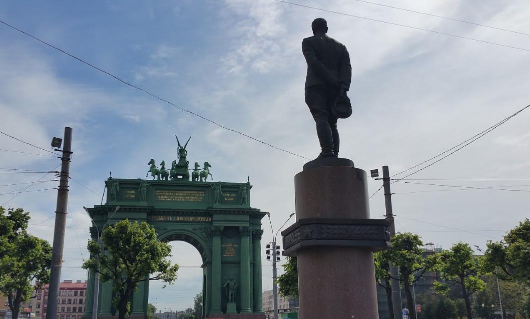 Площадь стачек Триумфальные ворота