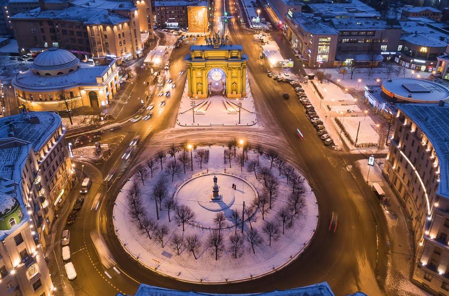 Площадь Стачек в Петербурге
