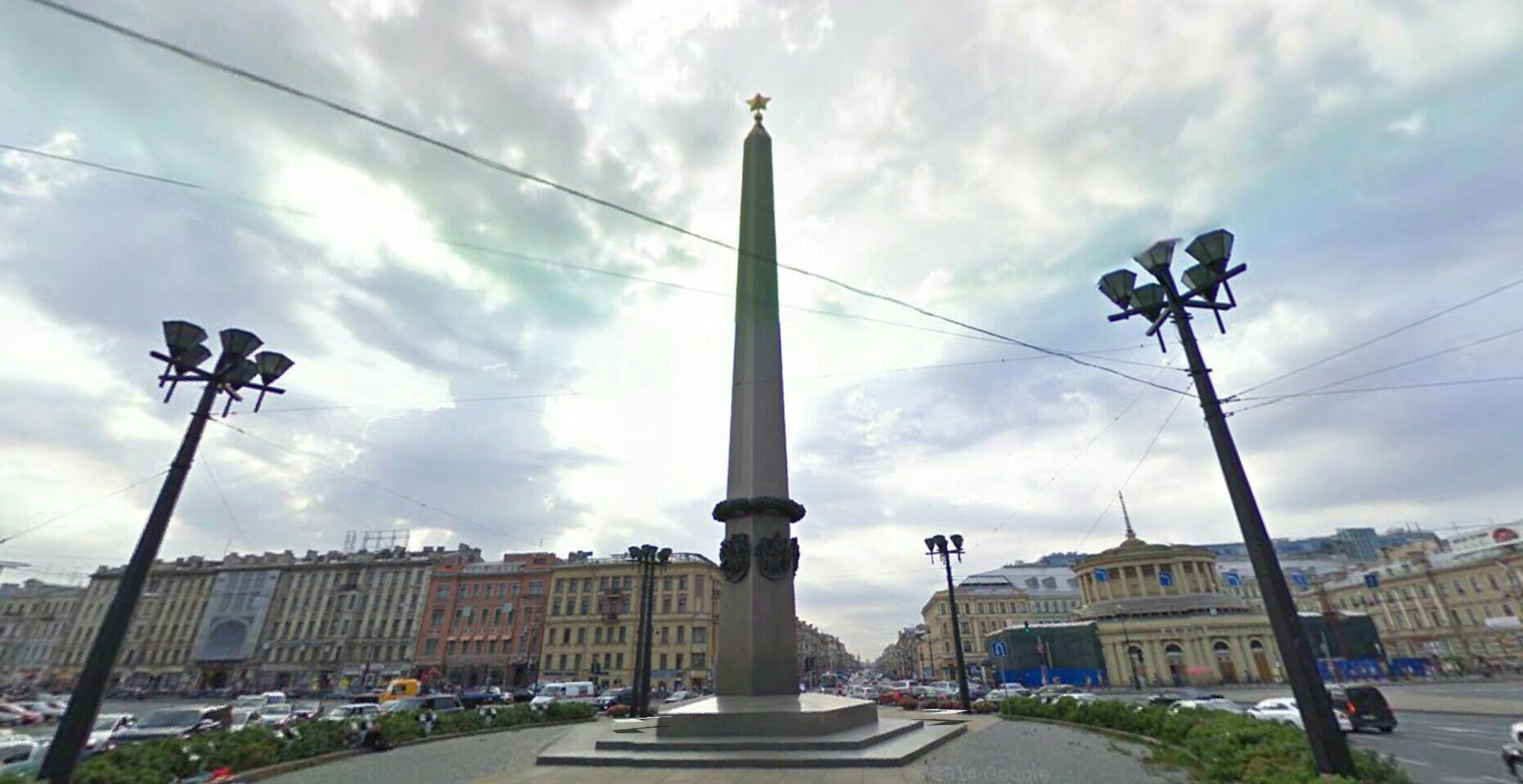 Площадь восстания обелиск