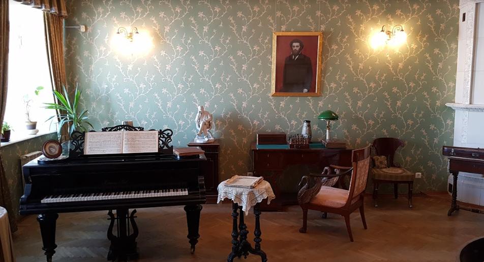 Знаменитый рояль, который Куинджи подарил своей супруге на свадьбу