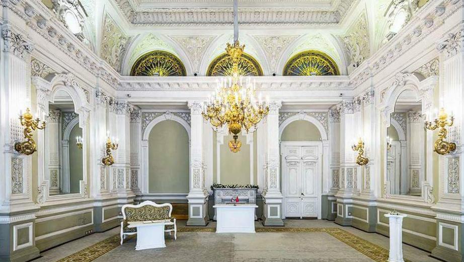 особняк фон Дерви парадные залы