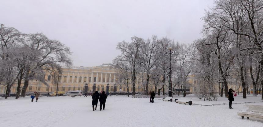 Михайловский сквер зимой