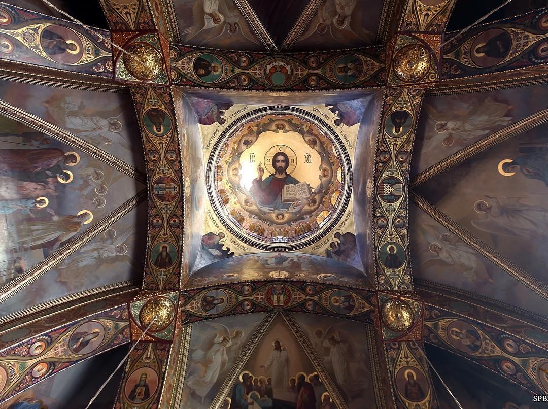 Церковь Успения Пресвятой Богородицы внутри