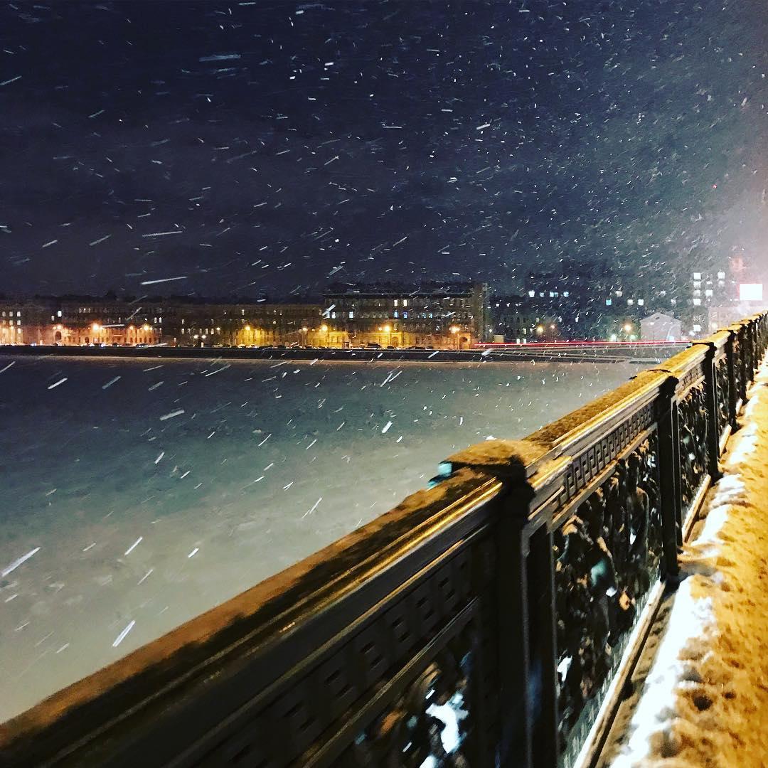 Литейный мост вечером