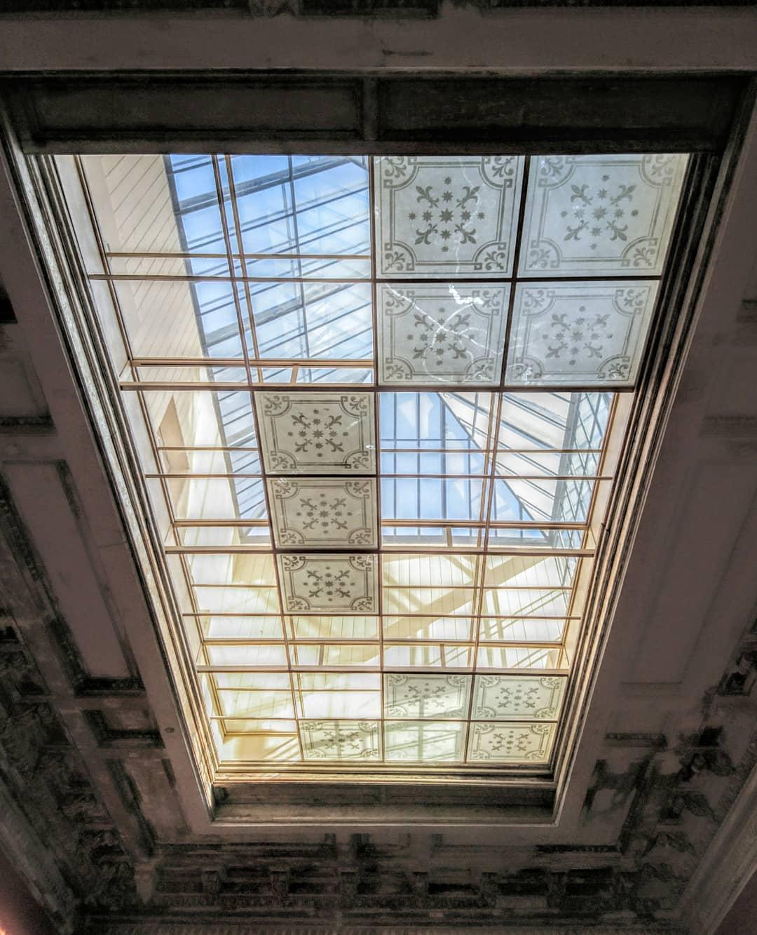 Световой фонарь в Красном зале особняка фон Дервиза.