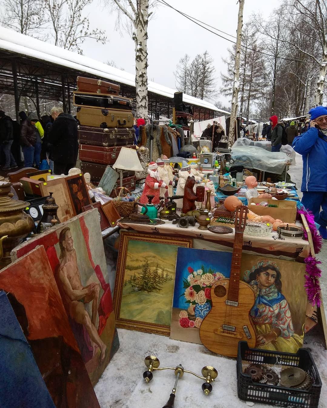 товары на Блошином рынке на Удельной