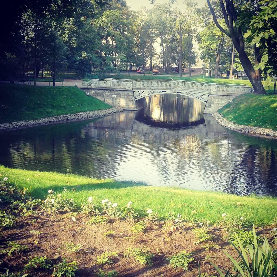 чугунный мост в Михайловском саду