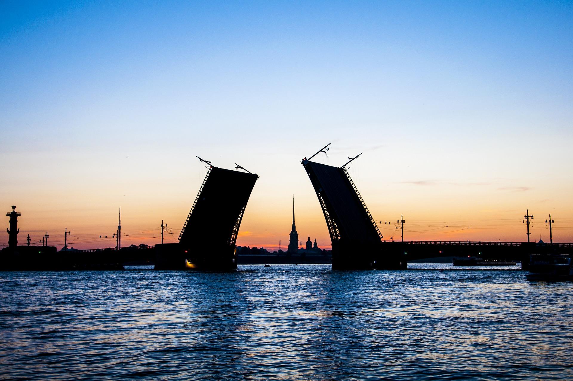 Благовещенский мост в Петербурге