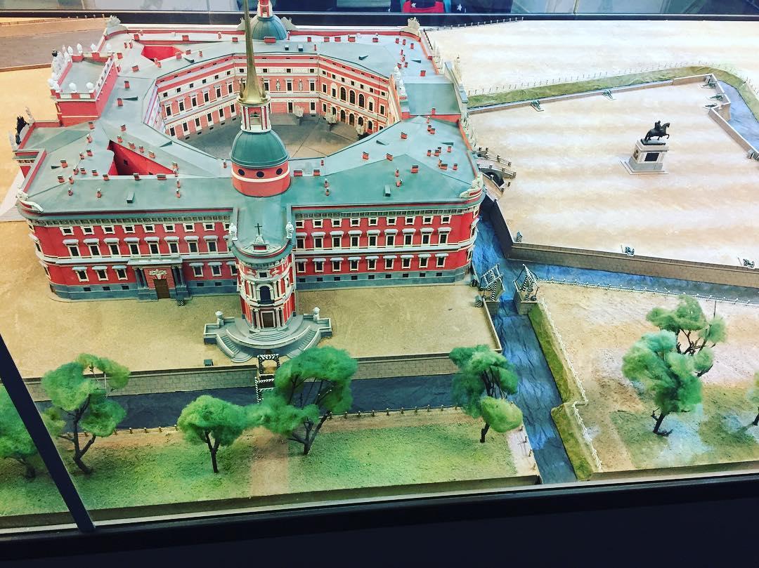 Михайловский замок в миниатюре