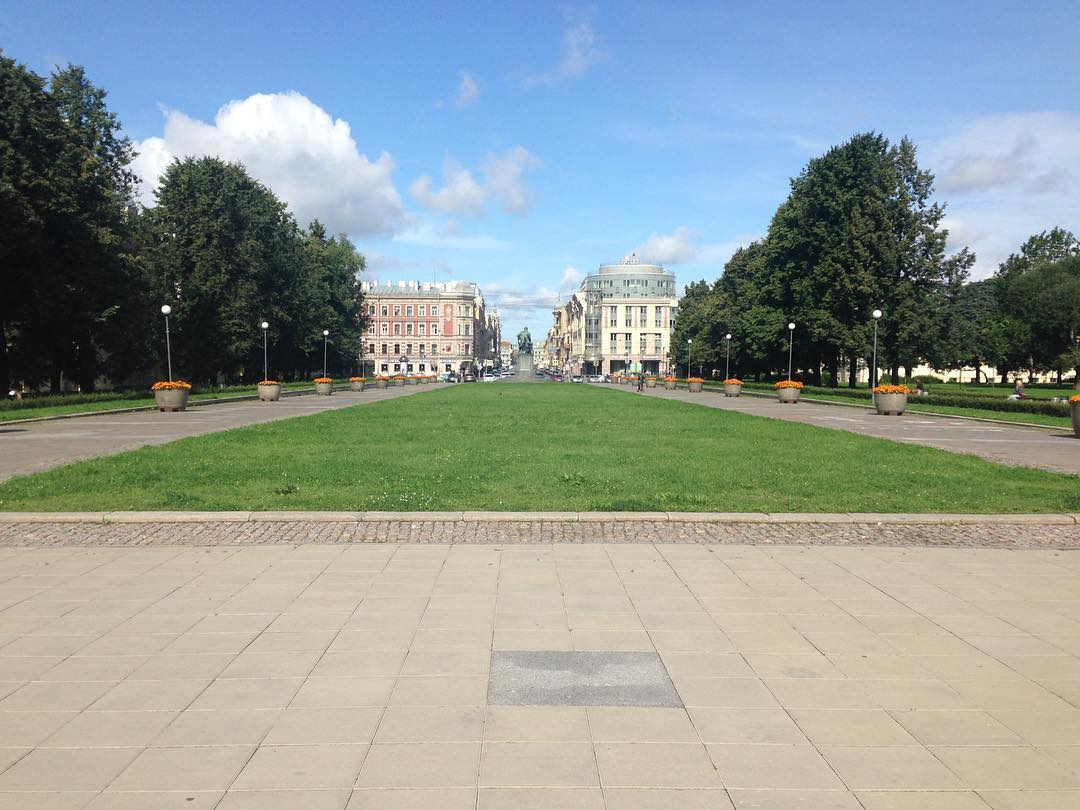 Пионерская площадь СПб