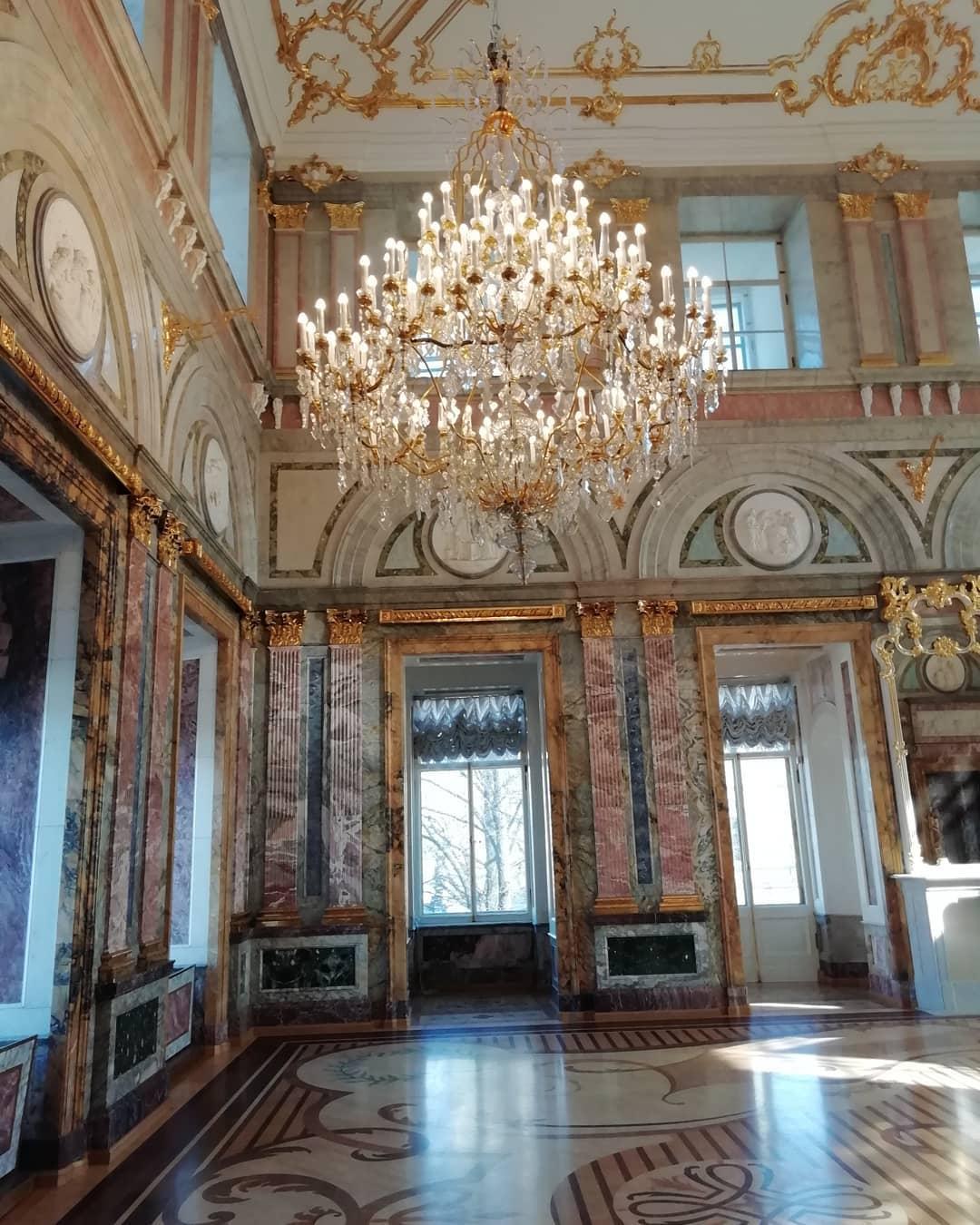 Мраморный дворец внутри