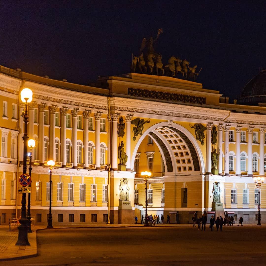 Дворцовая площадь спб