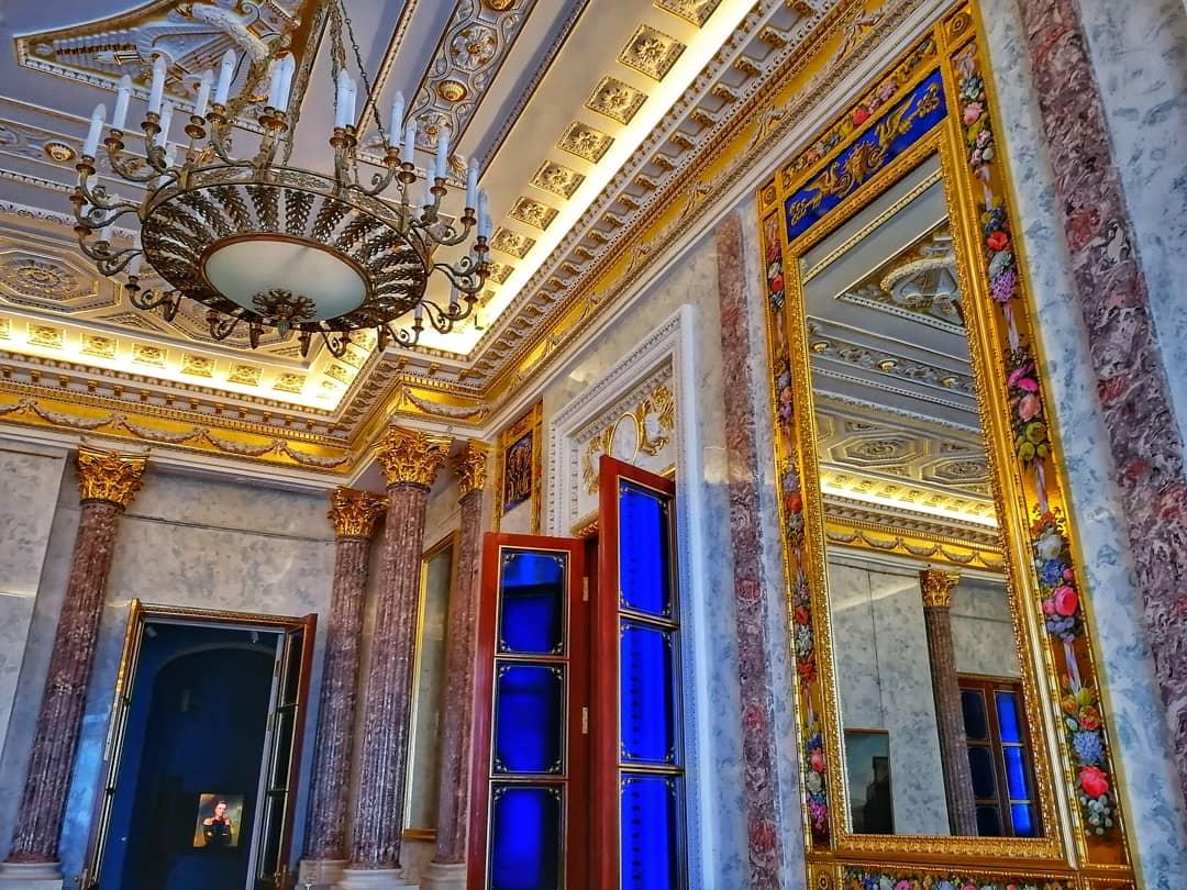 Михайловский замок внутри