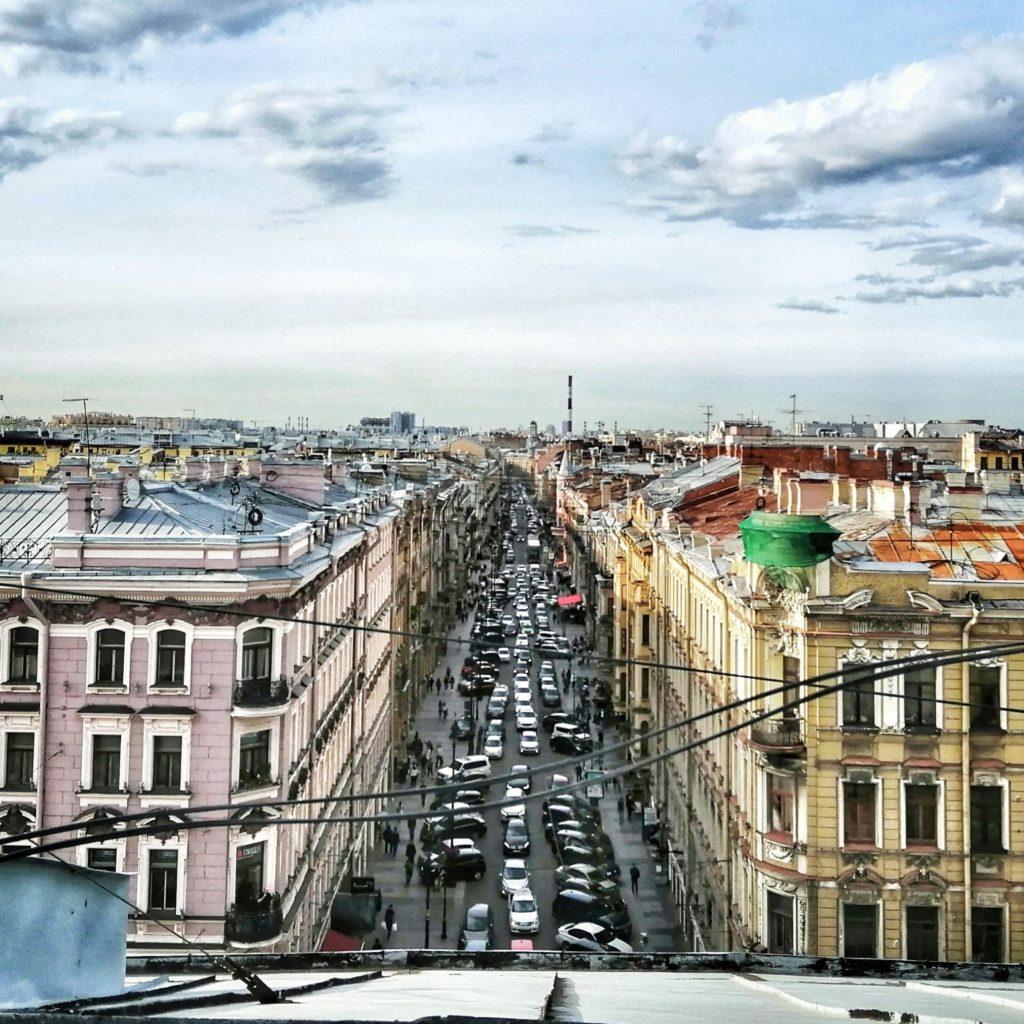 Вид с крыш Невского проспекта на улицу Рубинштейна
