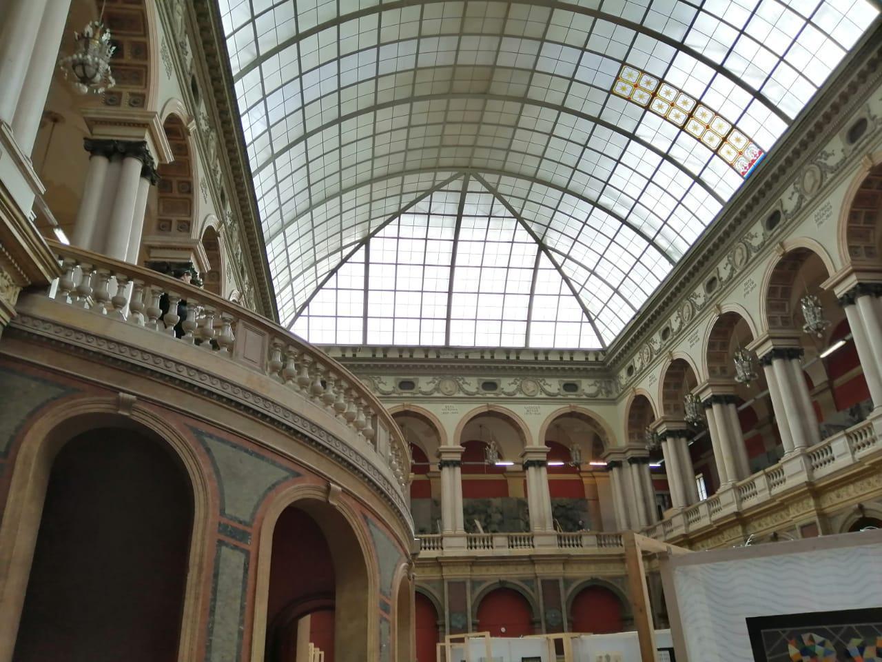 Большой зал в Академии им. Штиглица