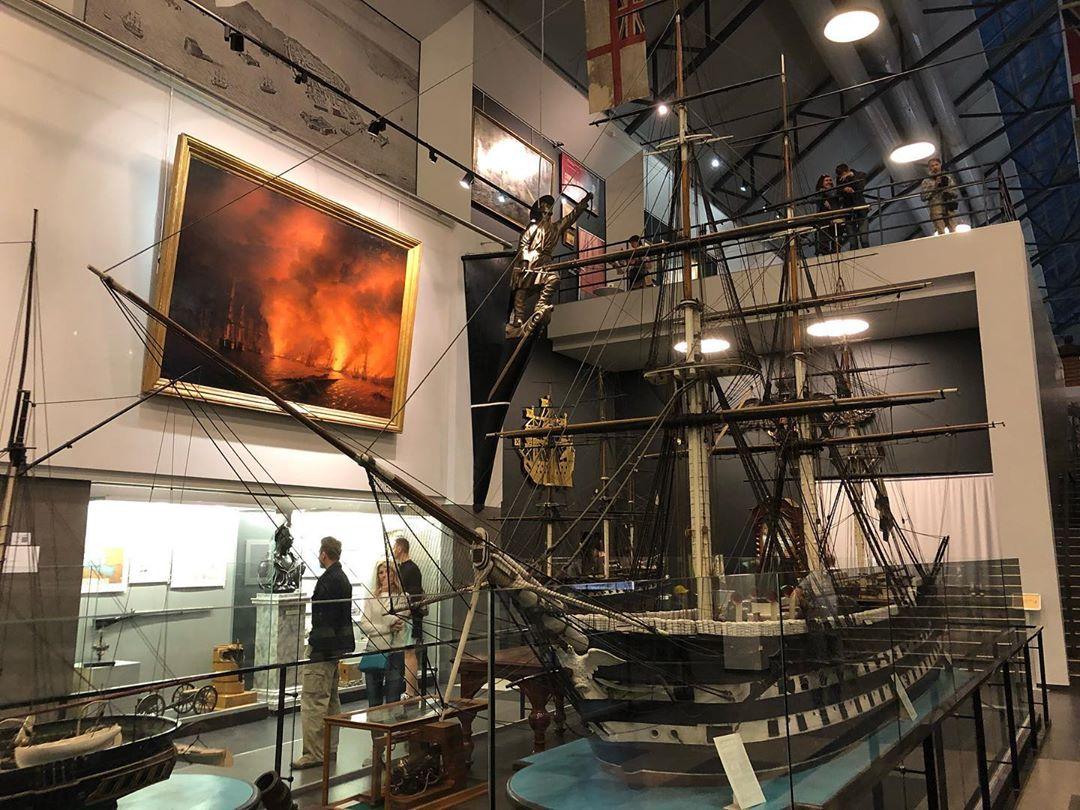 Корабль в Военно-морском музее