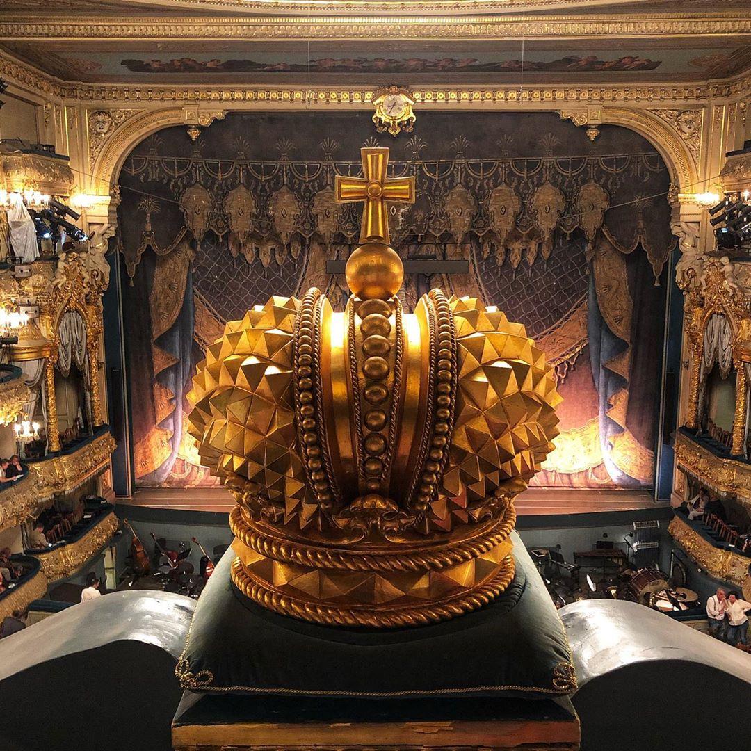 Корона в Мариинском театре