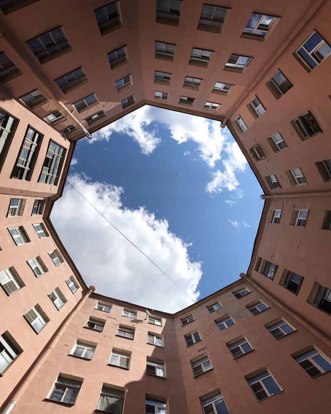Восьмиугольный дворик